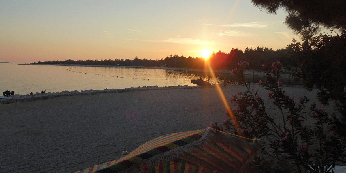 Sonnenuntergang beim Camping Village Šimuni