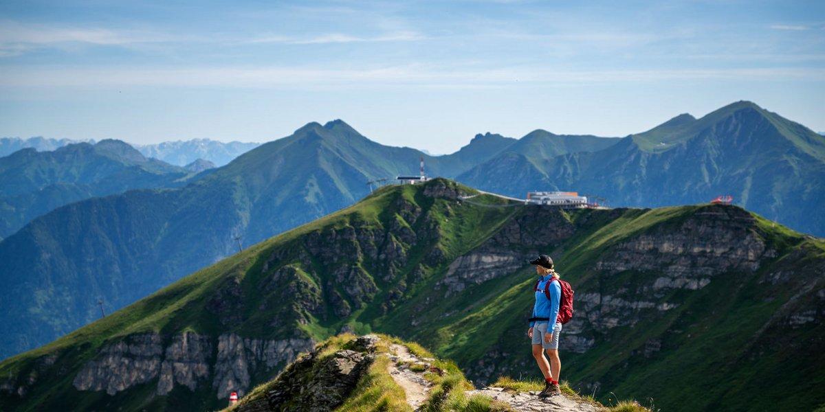 Gipfelwandererer am Gastein Trail
