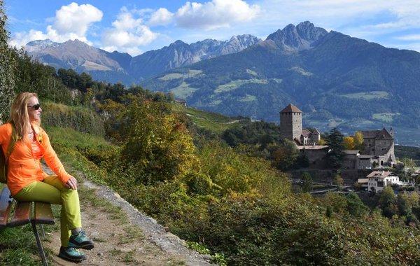 Wanderung zum Schloss Tirol