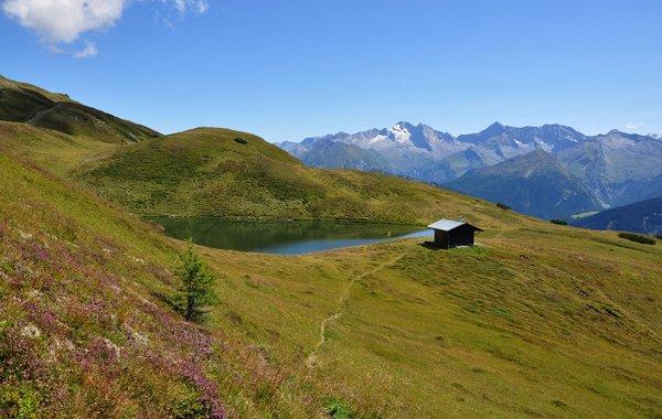 Lichtsee mit den Zillertaler Bergen dahinter