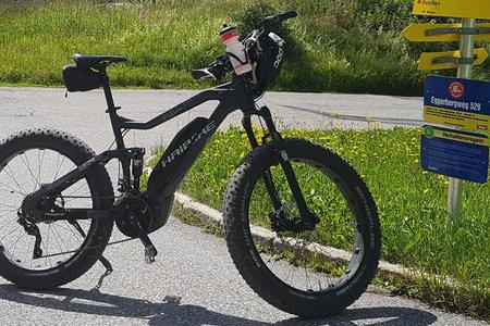 Mit dem E-Mountainbike sicher ans Ziel: Die besten Tipps und Tricks