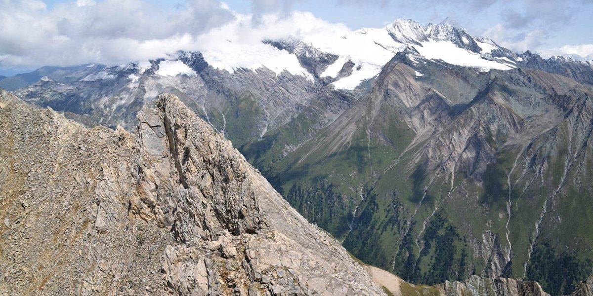 Blick zum Großglockner von der Vorderen Kendlerspitz in Osttirol