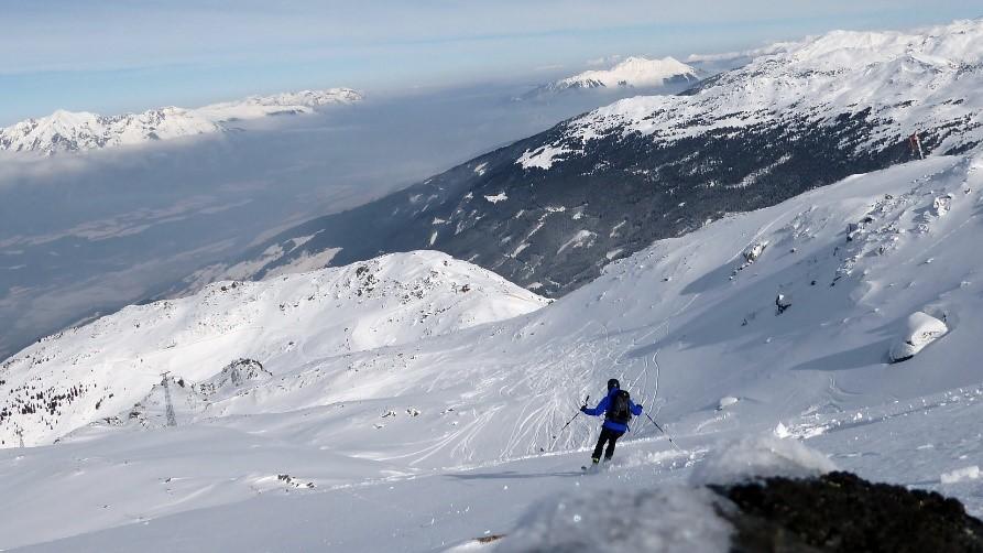 Einfacher Pulverhang mit den RIDE 83 am Glungezer, Tuxer Alpen