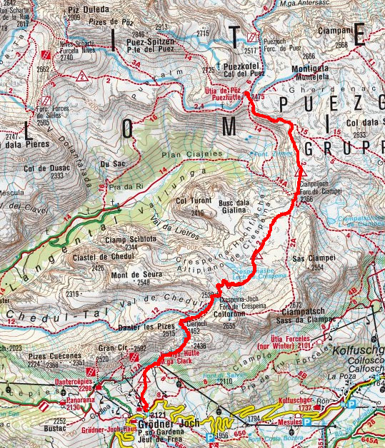 Puezhütte (2475 m) vom Grödner Joch