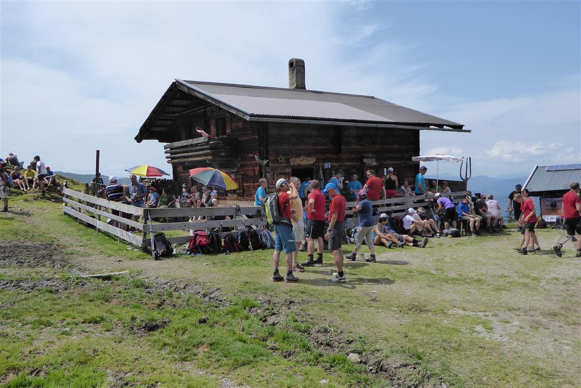 Köstliche Stärkungen auf den urigen Hütten (c) Wildschönau Tourismus