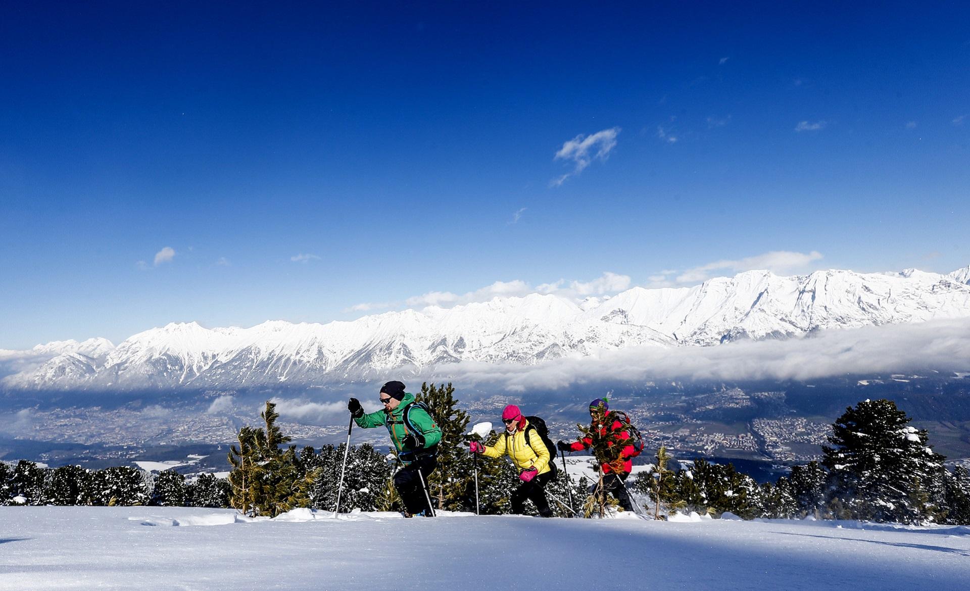 schneeschuhwandern tirol karwendel tuxer alpen