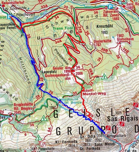 Mittagsscharte (2597 m) aus dem Villnöss Tal