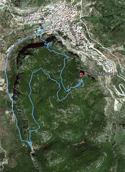 Bruncu Matzeu (957 m) vom Bergdorf Ulassai