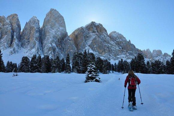 Dolomitental Villnöss - Schneeschuhwandern im Tal der bleichen Berge
