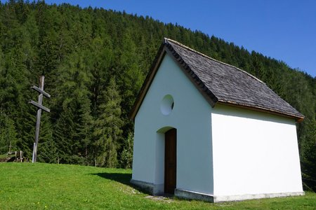 Barbarakapelle & Sarnthein-Wasserfall Rundwanderung
