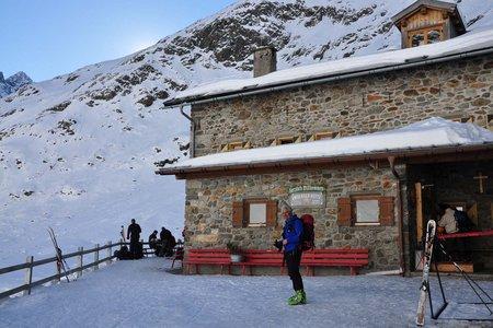Amberger Hütte (2135 m) von der Franz Senn Hütte