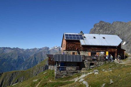 Bonn Matreier Hütte (2750 m) vom Parkplatz Budam