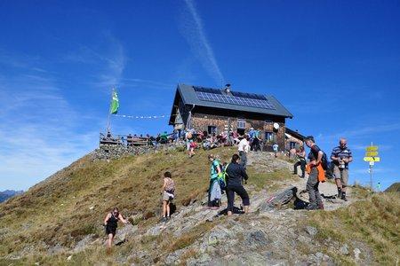 Kellerjoch Hütte (2237 m) vom Hecherhaus