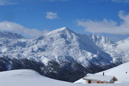 Piz Dora (2951 m) von Platz