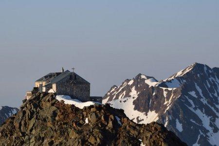 Becherhaus (3195 m) aus dem Ridnauntal