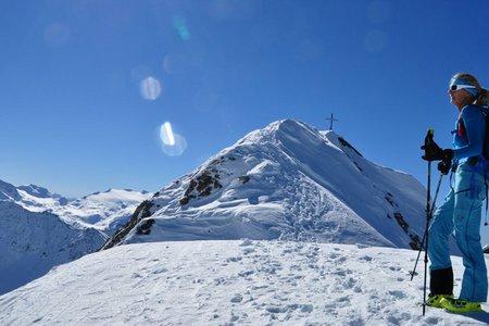 Schneespitze (2925 m) vom Knuttenparkplatz
