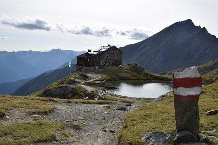 Sudetendeutsche Hütte (2650 m) von der Adlerlounge