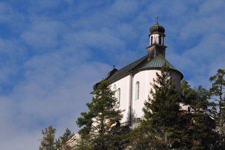 Zirler Kalvarienberg & Kriegerdenkmal von Zirl