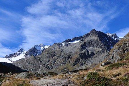 Aperer Turm (2986 m) von der Franz Senn Hütte