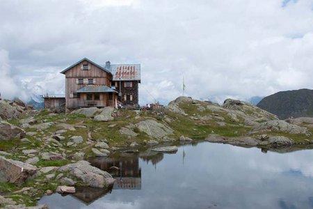 Bremer Hütte (2411 m) vom Gasthof Feuerstein