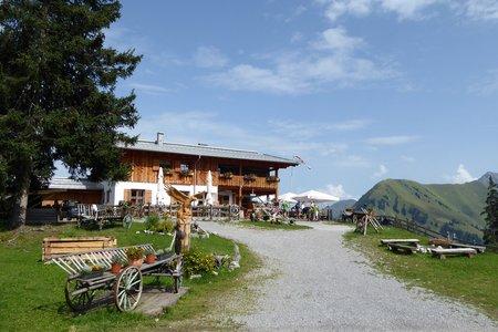 Ehenbichler Alm (1640 m) bei Rinnen in Berwang