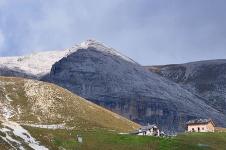 Stevia Hütte (2312 m) vom Parkplatz Daunei