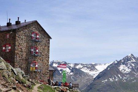 Breslauer Hütte (2844 m) über den Normalweg