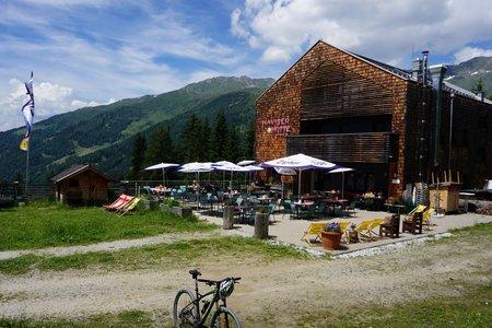 Naviser Hütten – Rundfahrt von Navis