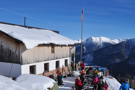 Bernhardseckhütte (1812 m) von Elbigenalp