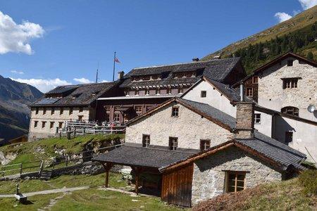 Berliner Hütte (2042 m) vom Alpengasthof Breitlahner