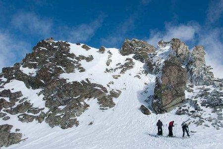 Chalausköpfespitze (3120 m) von der Jamtalhütte