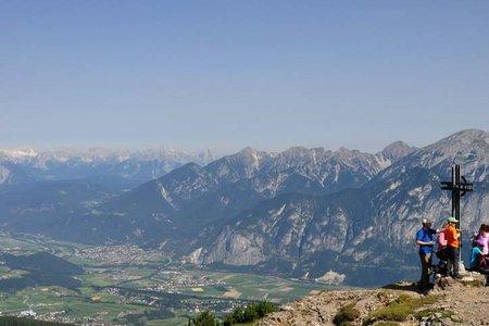 Pfriemeswand u. Zwölferspitze (2103/2098 m) von der Muttereralm