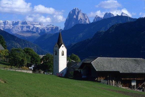 Lajen - das charmante Dolomitendorf am Eingang vom Grödner Tal