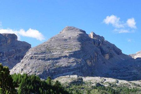 Furcia Rossa III-Monte Castello (2791/2760 m) von der Lavarellahütte