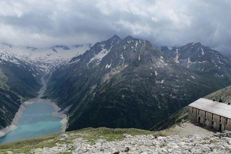 Olpererhütte (2388 m) vom Schlegeisspeicher