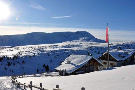 Stöffl Hütte über Totenkirchl