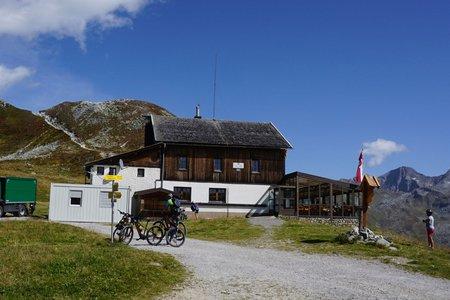 Tuxer Joch & Tuxerjochhaus von Kasern