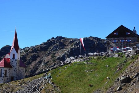 Schutzhaus Latzfonser Kreuz (2305 m) von Durnholz