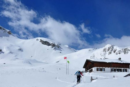 Sesvennahütte (2258 m) von Schlinig