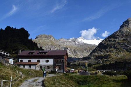 Alpenrosenhütte (1878 m) vom Alpengasthof Breitlahner