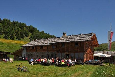 Hüttenwandern und Übernachten auf einer Berghütte