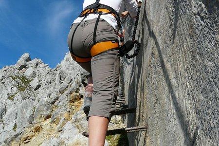 Sicherheit an Klettersteig und Boulderwand – Tipps zu Equipment und Verhalten