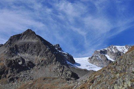 Aperer Turm (2986 m) von der Oberiss Hütte