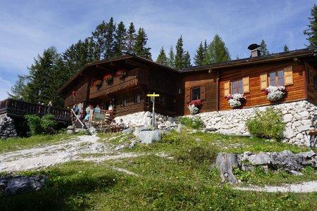 Pleisenhütte (1757m) von der Isarlodge Wiesenhof