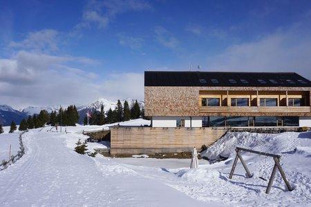 Starkenfeldhütte – Winterwanderweg vom Parkplatz Zumis
