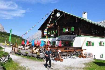 Pfeishütte (1922m) vom Karwendel Parkplatz in Rum