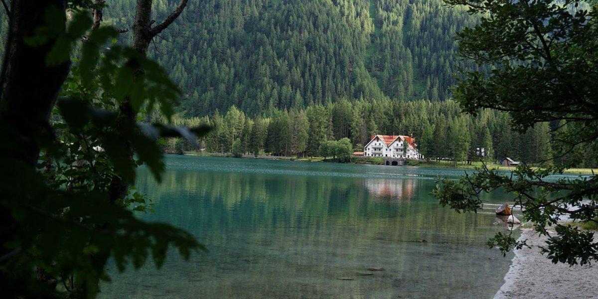 Antholzer See umrahmt von der Rieserfernergruppe
