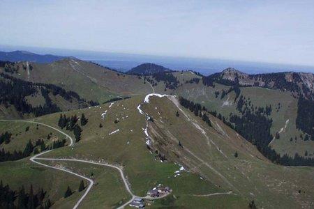 Tegernseer Hütte (1638 m) vom Parkplatz Winterstube