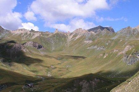 Brixner Hütte (2282 m) von der Fane Alm
