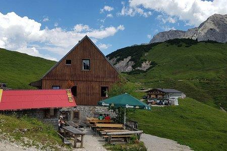 Plumsjochhütte-Plumssattel von Vorderriss